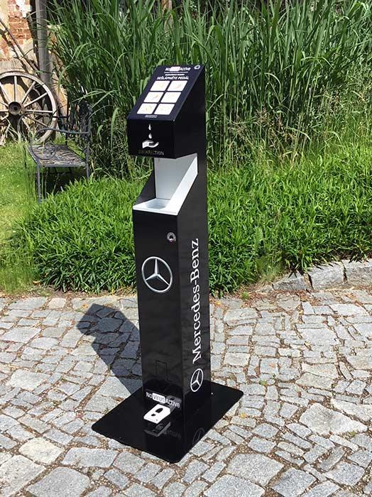 Brandované stojany Mercedes Benz ukázka celého stojanu v praxi-novirusactive